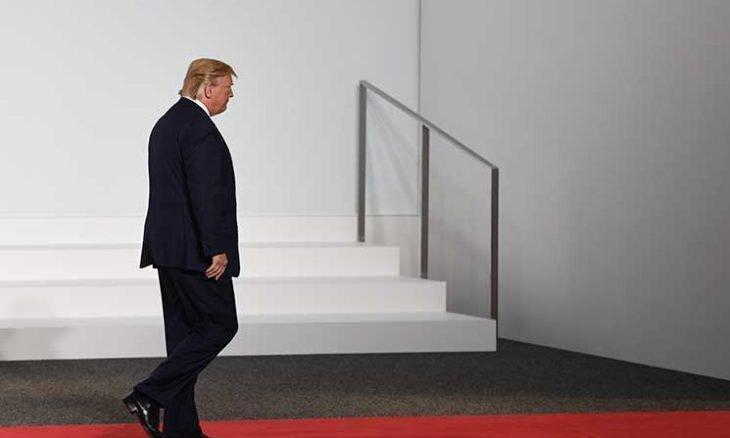 آیا ترامپ باید به خانه برگردد یا همچنان در کاخ سفید می ماند؟