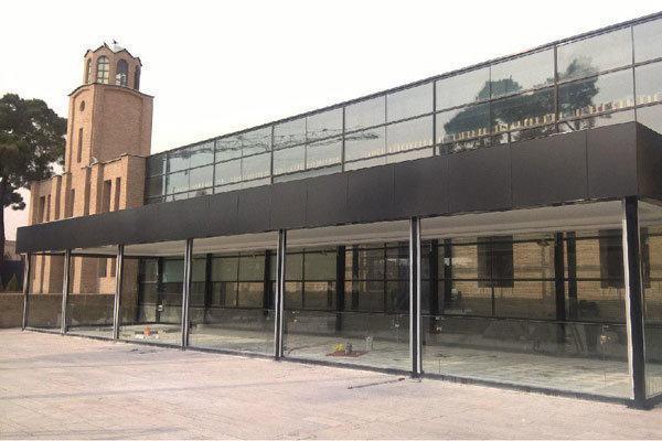 سازه شیشه ای باغ موزه قصر یک پرتابل برگشت پذیر است