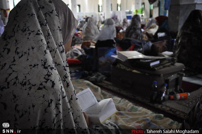 مراسم معنوی اعتکاف در مسجد کوی دانشگاه تهران برگزار می گردد