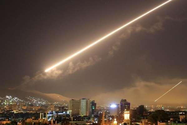 مقابله پدافند هوایی سوریه با یک پهپاد مهاجم