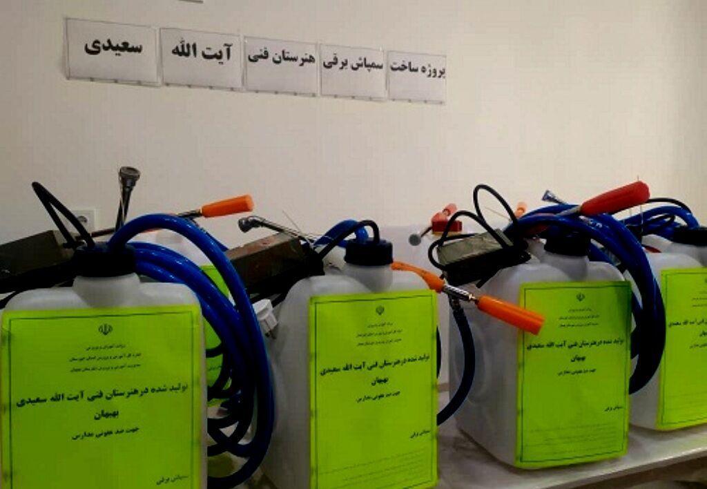 خبرنگاران جهاد مدارس خوزستان در فراوری کالاهای بهداشتی