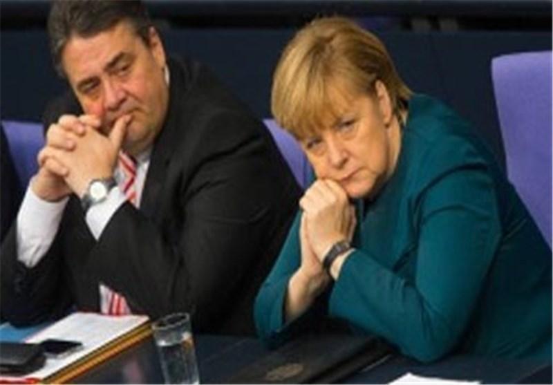 معاون مرکل: پذیرفتن یونان در منطقه یورو ساده لوحانه بود