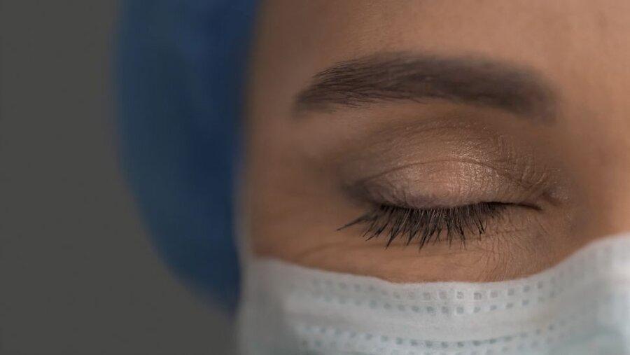 ویروس کرونا در چشم زن ایتالیایی باقی ماند ، ترشحات چشمی بیماران واگیردار است