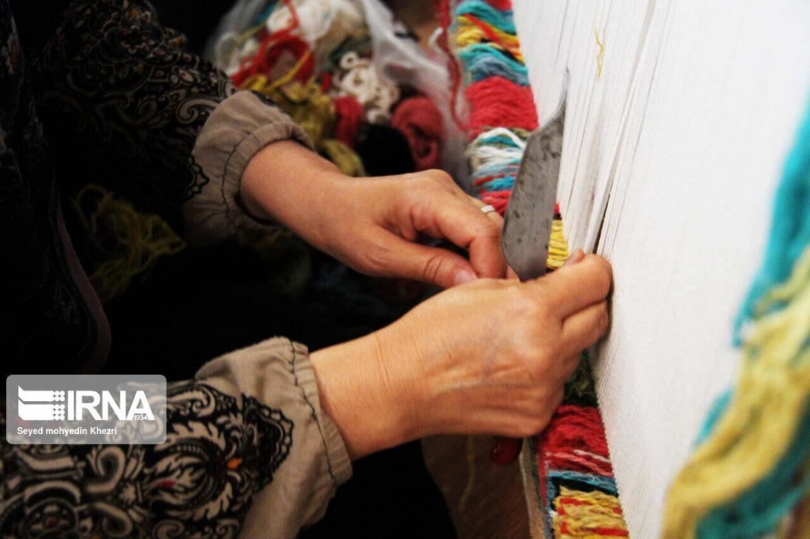خبرنگاران جشنواره گلیم و بافته های داری در نمین برگزار می گردد