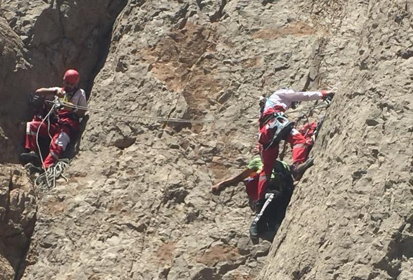 خبرنگاران شهروند کرمانی براثر سقوط از کوه جان باخت
