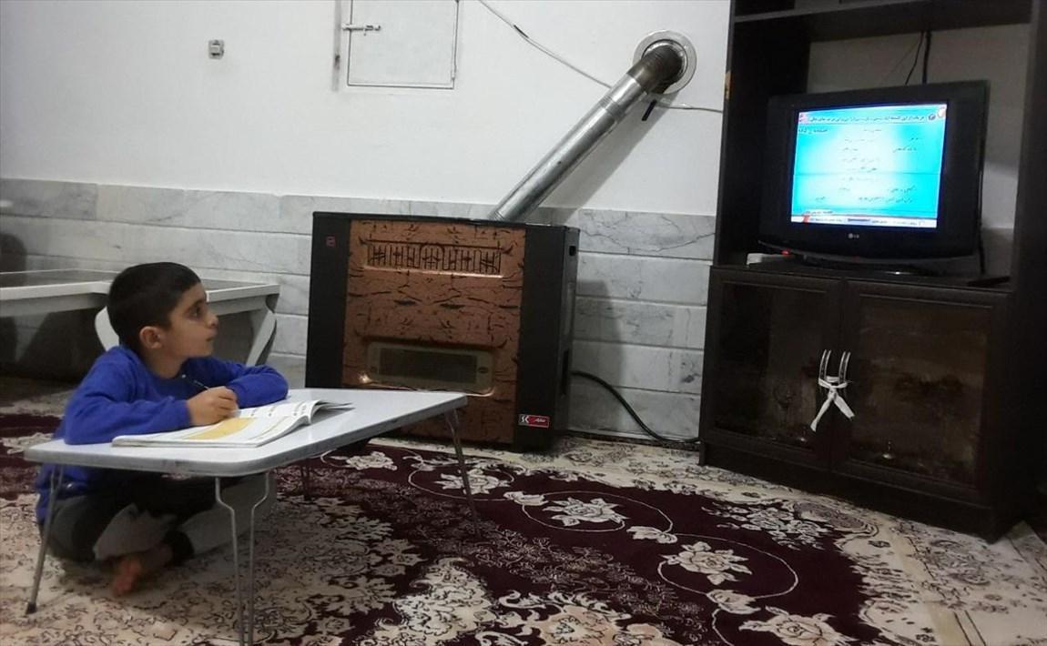 خاتمه سال تحصیلی دانش آموزان در مدرسه تلویزیونی ایران
