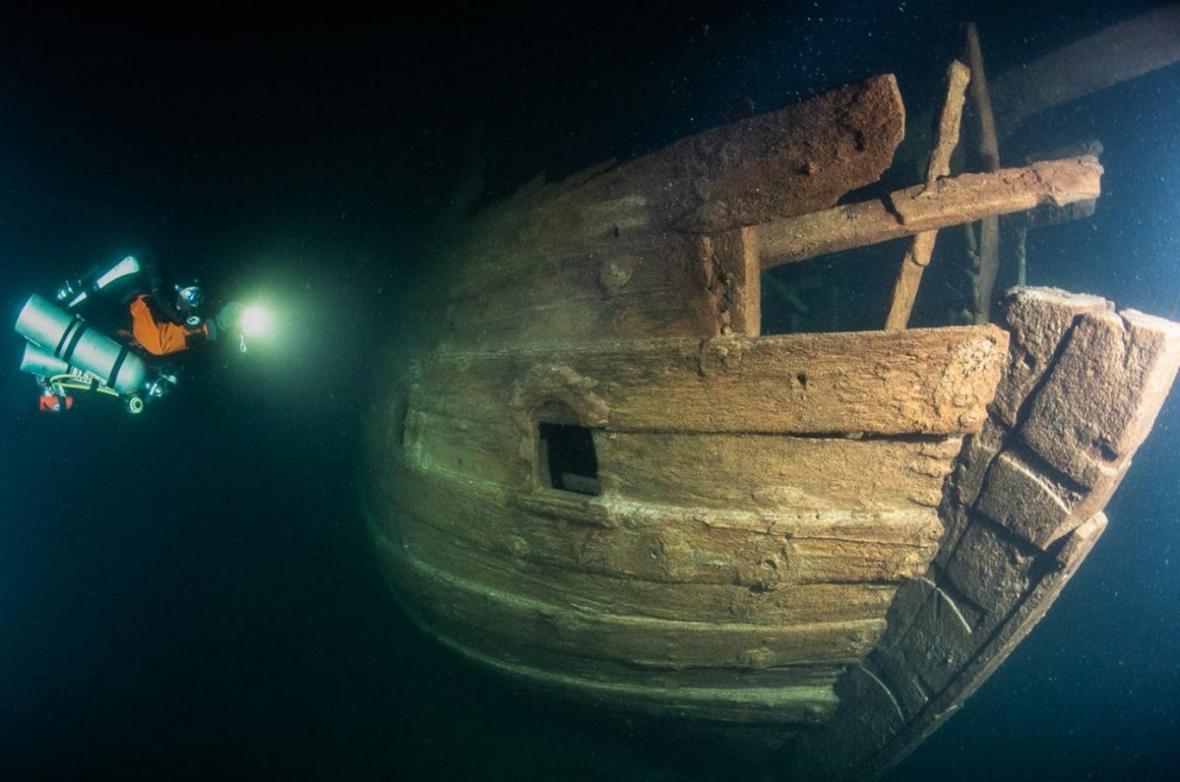 سیستم بالابر در کشتی 400 ساله هلندی