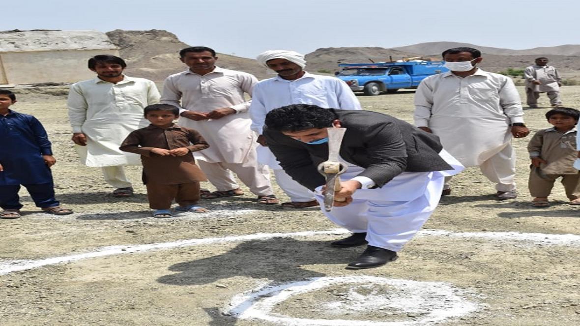 کلنگ دو مدرسه خیّری در بخش بنت نیکشهر به زمین زده شد