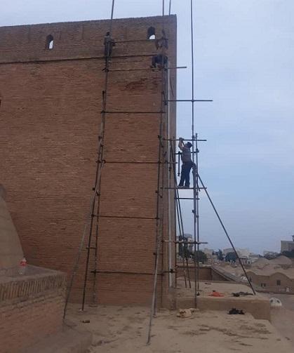 شروع بازسازی اضطراری ایوان مسجد جامع سمنان