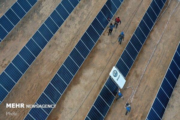 طراحی و ساخت ربات گردگیر پنل های خورشیدی توسط پژوهشگران یزدی