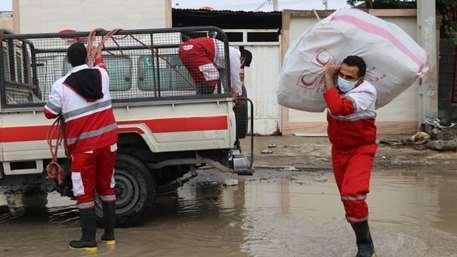 توزیع اقلام امدادی و زیستی میان 185 خانوار متاثر از سیل در فارس، امداد رسانی در 14 شهرستان ادامه دارد