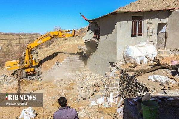 (تصاویر) تخریب ویلا های غیرمجاز در قم