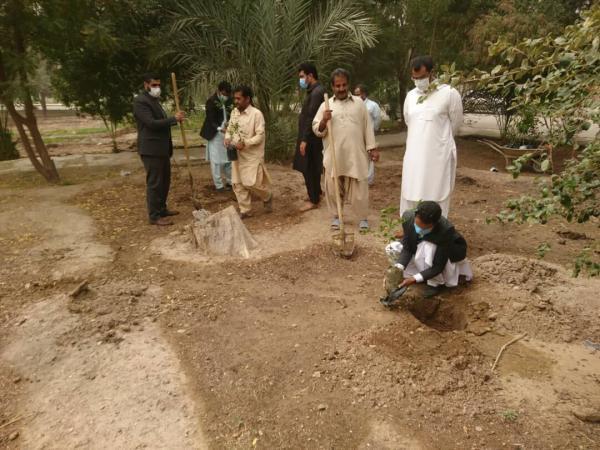خبرنگاران شهردار: ایرانشهر 160 هکتار فضای سبز دارد